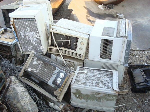 take apart scrap air conditioner